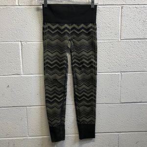 Lululemon olive and black legging, sz 4, 63482